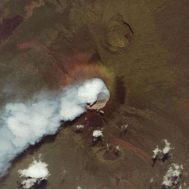 Noticias y  Generalidades - Página 39 Volcano_07