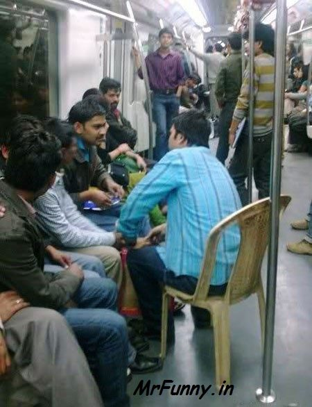 Delhi Metro Funny Pic – Funny People in Delhi Metro
