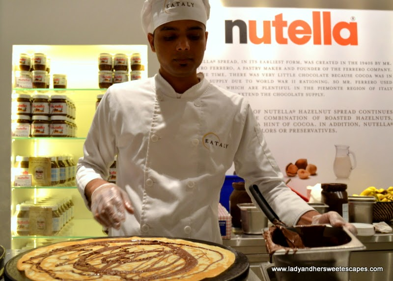 freshly made crepe at the Nutella Bar in Eataly Dubai