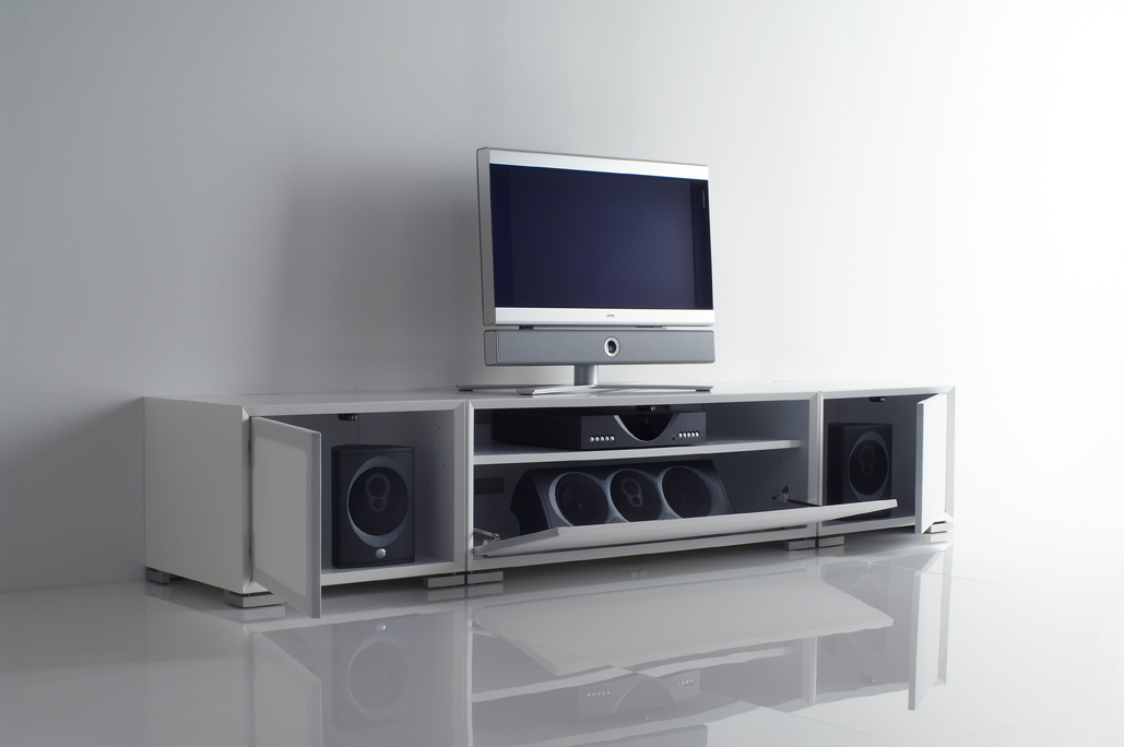 neues aus dem hifi studio wittmann clic pfiffige hifi m bel aus d nemark. Black Bedroom Furniture Sets. Home Design Ideas
