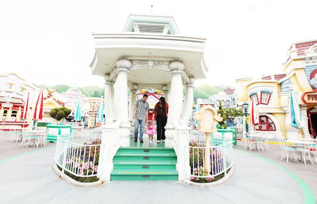 Family photos in Disneyland