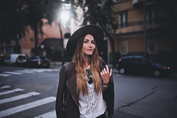 girly hat streetstyle