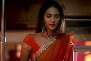 Vaani Kapoor in Saree in Shuddh Desi Romance Images.jpg