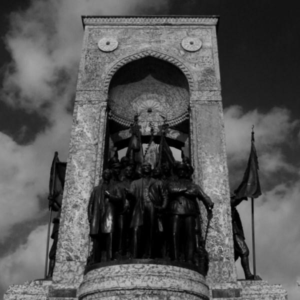 taksim meydanı anıt