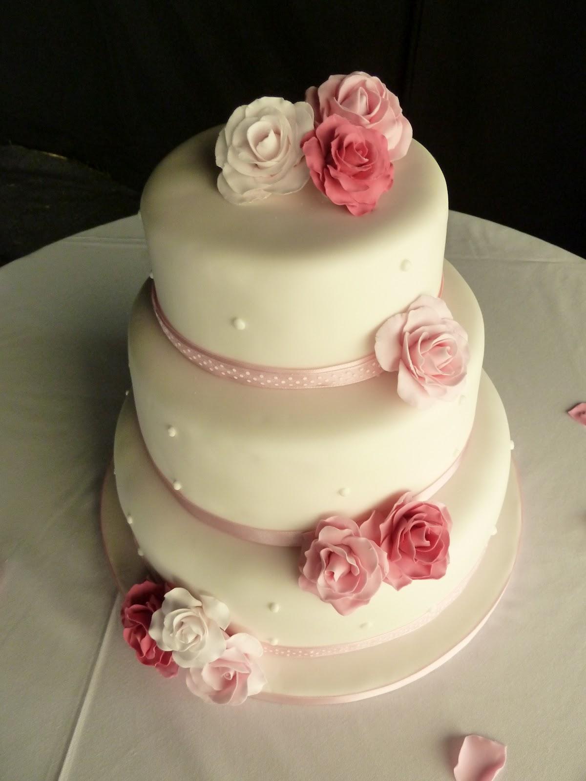 Plain White Square Wedding Cake Viewing Gallery