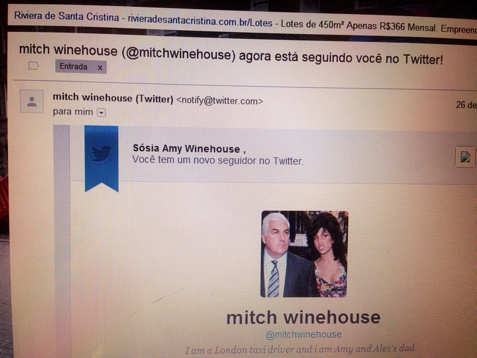 Sr. Mitch Winehouse está me seguindo no Twitter @sosiaamy