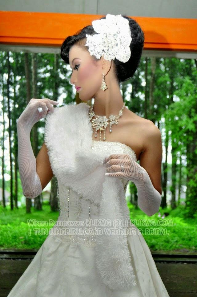Judul Foto : Busana Bridal Sensual & Tata Rias Oleh : tunjungbiru Rias Pengantin Purwokerto | Fotografer : Klikmg (3) Wisnu Darmawan