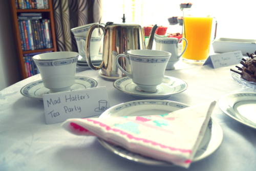 baby-shower-ideas-mad-hatters-tea-party