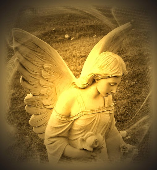Pope Francis encourges communication with angels for advice