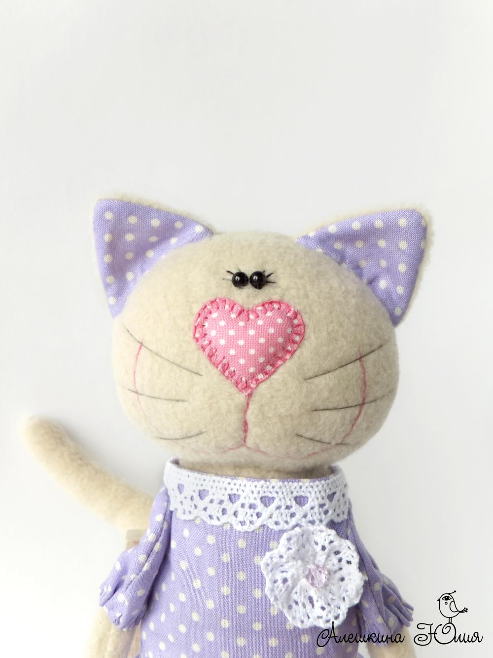 Кошка из флиса