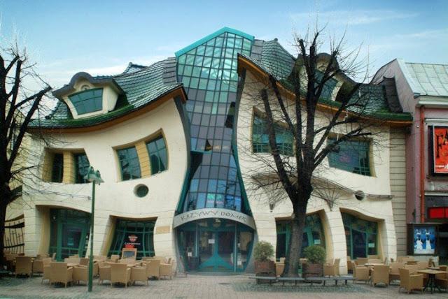 grey البيت الأعوج مركز للتسوق في سوبوت ببولندا '' معمار فوق الخيال ''