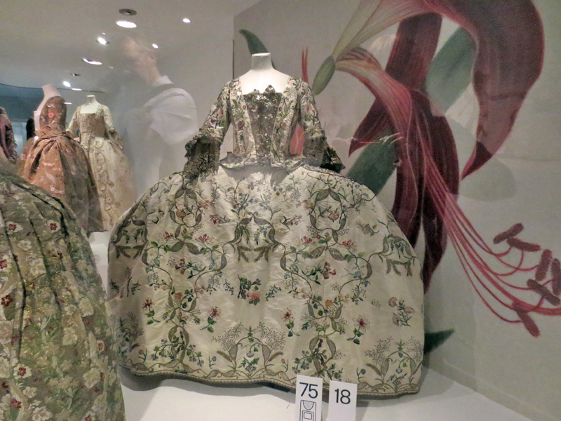 Bath Fashion Museum Georgians paniers