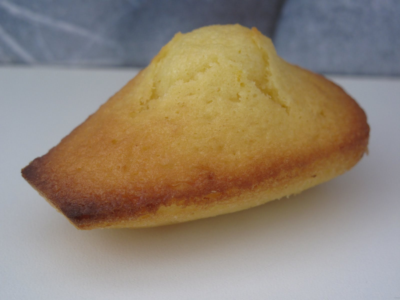 Gourmandises homecooked biscuits madeleines au citron recette de cyril lignac - Recette de cyril lignac ...