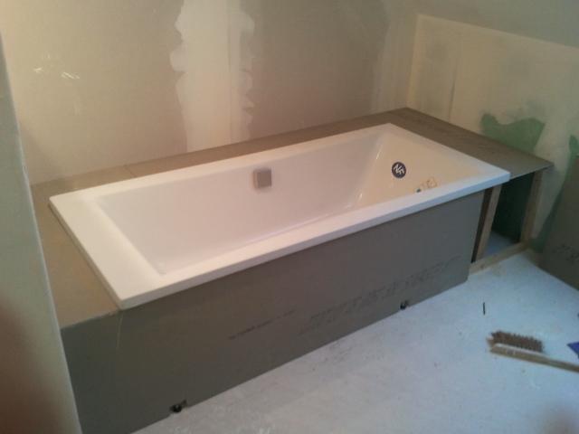 coffrage de baignoire. Black Bedroom Furniture Sets. Home Design Ideas