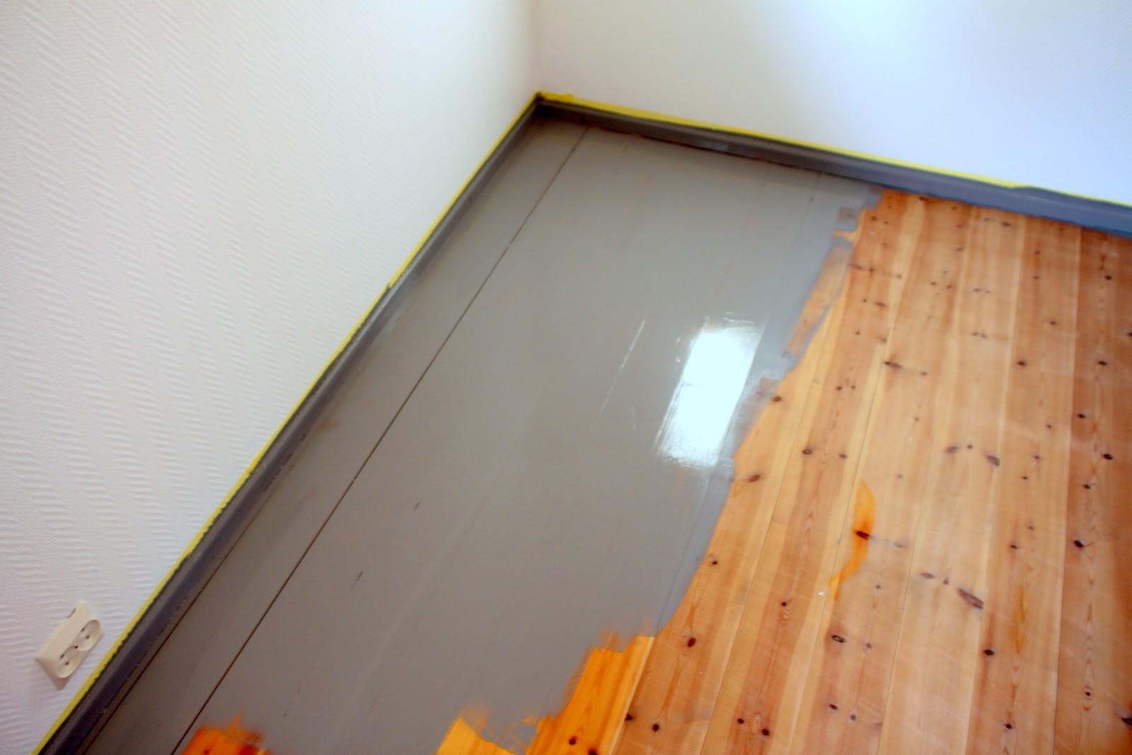 Søsterturid: grått gulv..