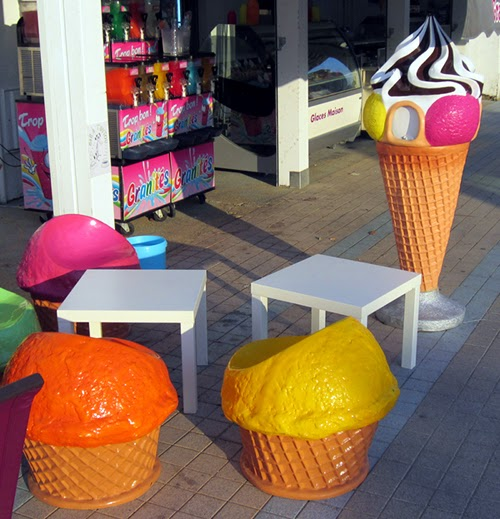 Designed Specifically To Attract Families, The Parlor Chose To Invest In  Some Wonderful Ice Cream Themed Furniture And Display Items.