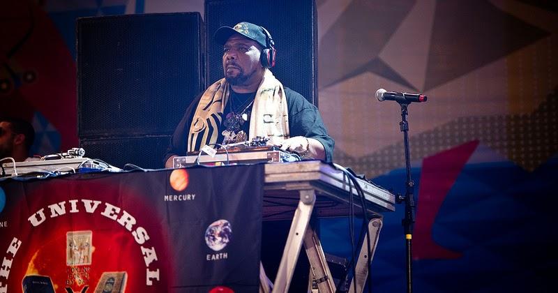 DJ Afrika Bambaataa deixa tudo dominado no 23º Festival de Garanhuns