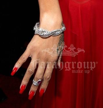 rhianna, red carpet, grammy awards 2013, jewels