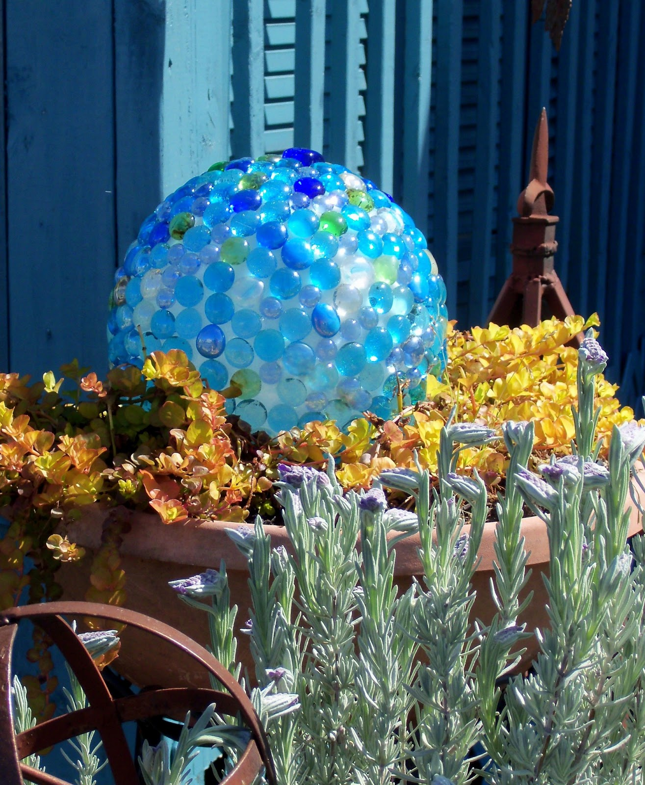 Make The Best of Things Glass Garden Balls DIY