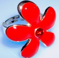 Anillo Flor roja chapado en plata, regulable