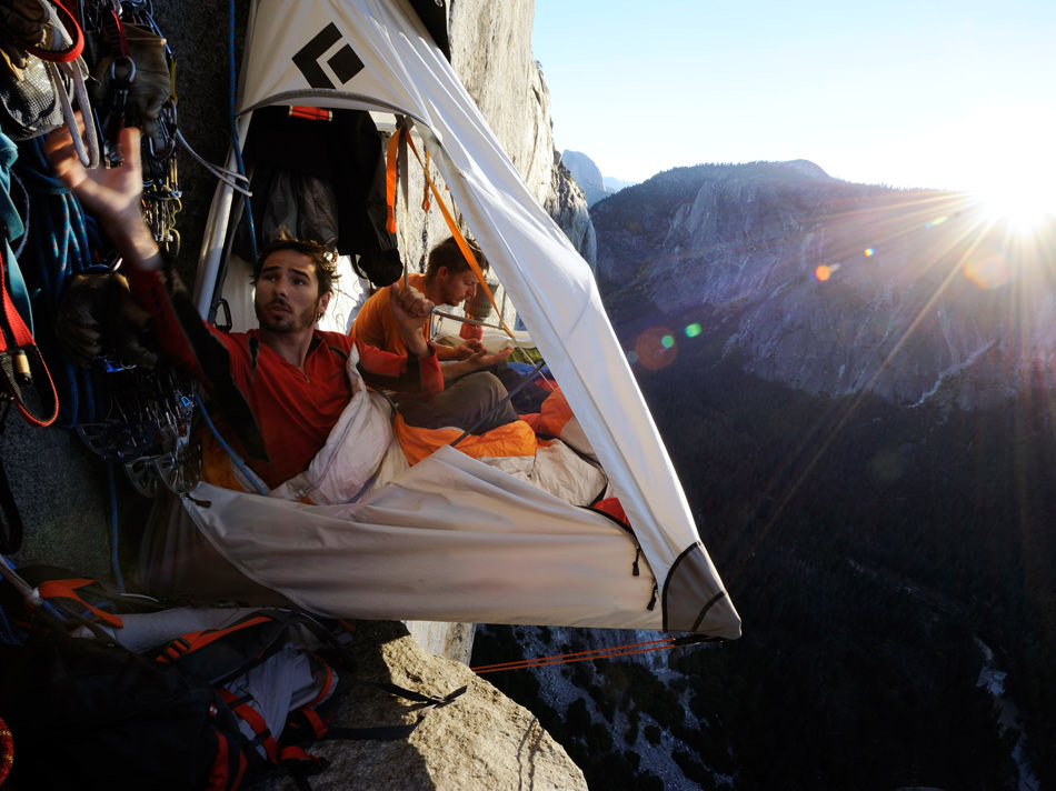 Portaledge C&ing Extreem C& with Hanging Tent on Cliff  sc 1 st  Traveling Around The Globe & Traveling Around The Globe: Portaledge Camping Extreem Camp with ...