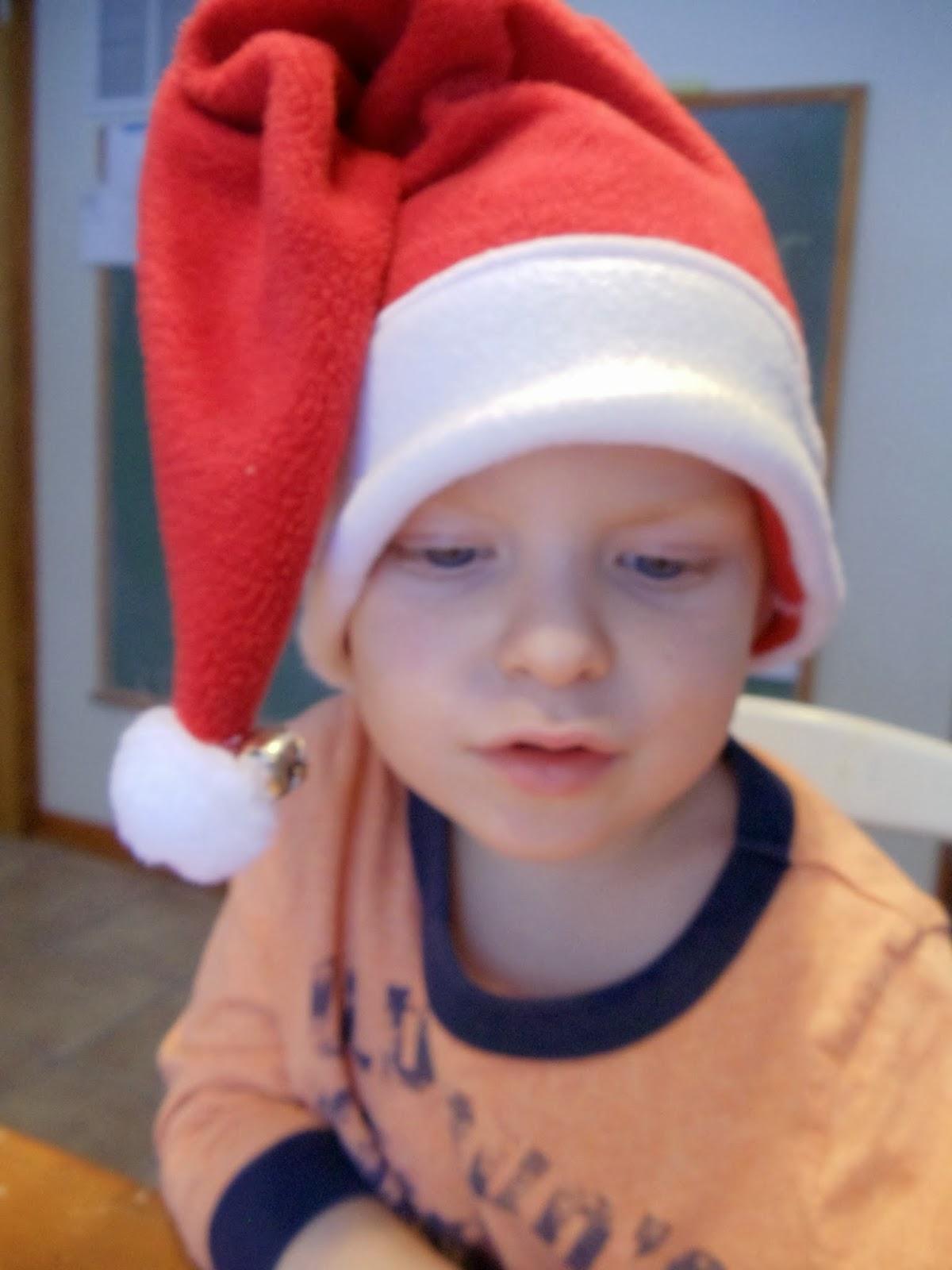 Doodah Kids Clothing  Santa Baby! Easy 4-seam Santa hat FREE pattern ... 822b4c070d4