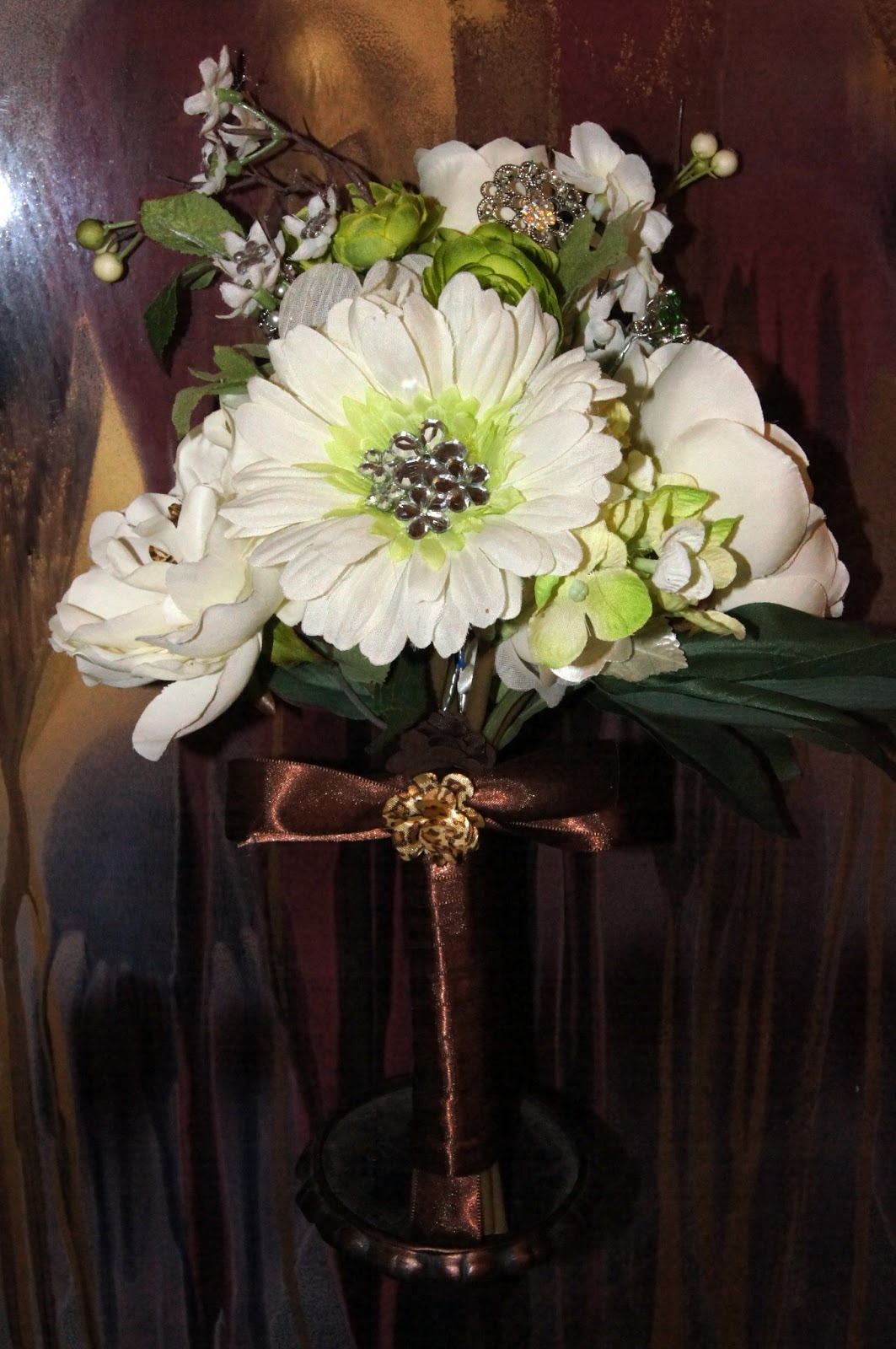 Bridal Bouquet Throwing : My wedding quest for guests the bouquets