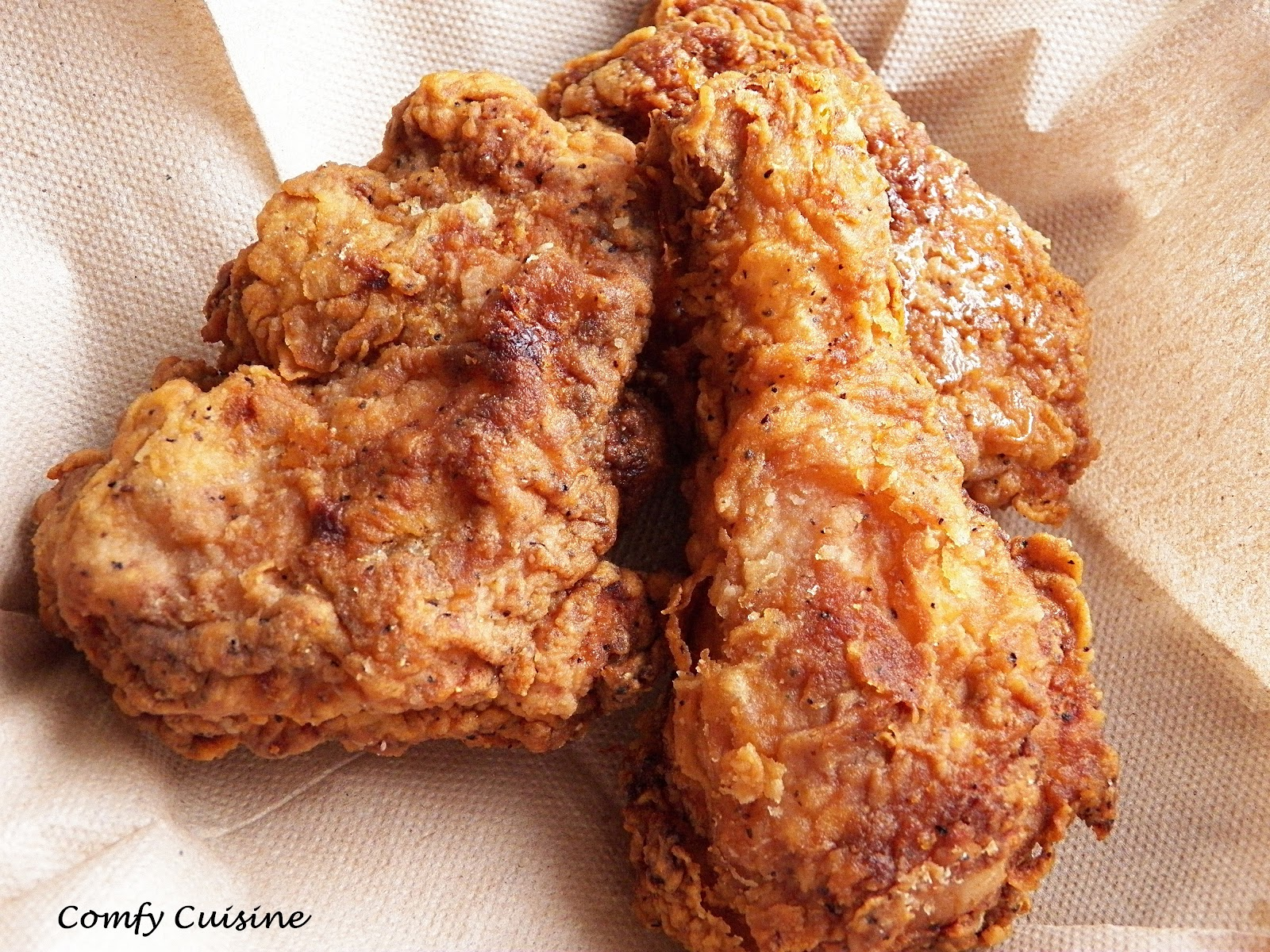 Comfy Cuisine: Perfect Buttermilk Skillet Fried Chicken