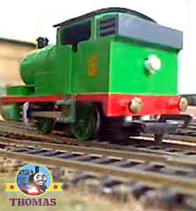 Childrens Thomas and friends model railway steam trains scale HO Bachmann Percy the tank engine set