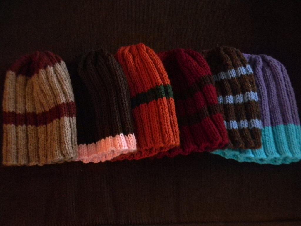 Bizzy Crochet: Christmas Beanies ~ Knit Pattern