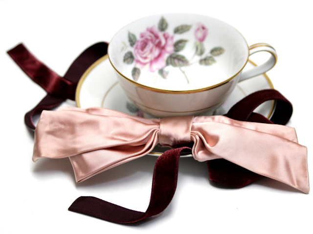 1940s Velvet Ribbon and Satin Bow Headband #vintage #hair #style