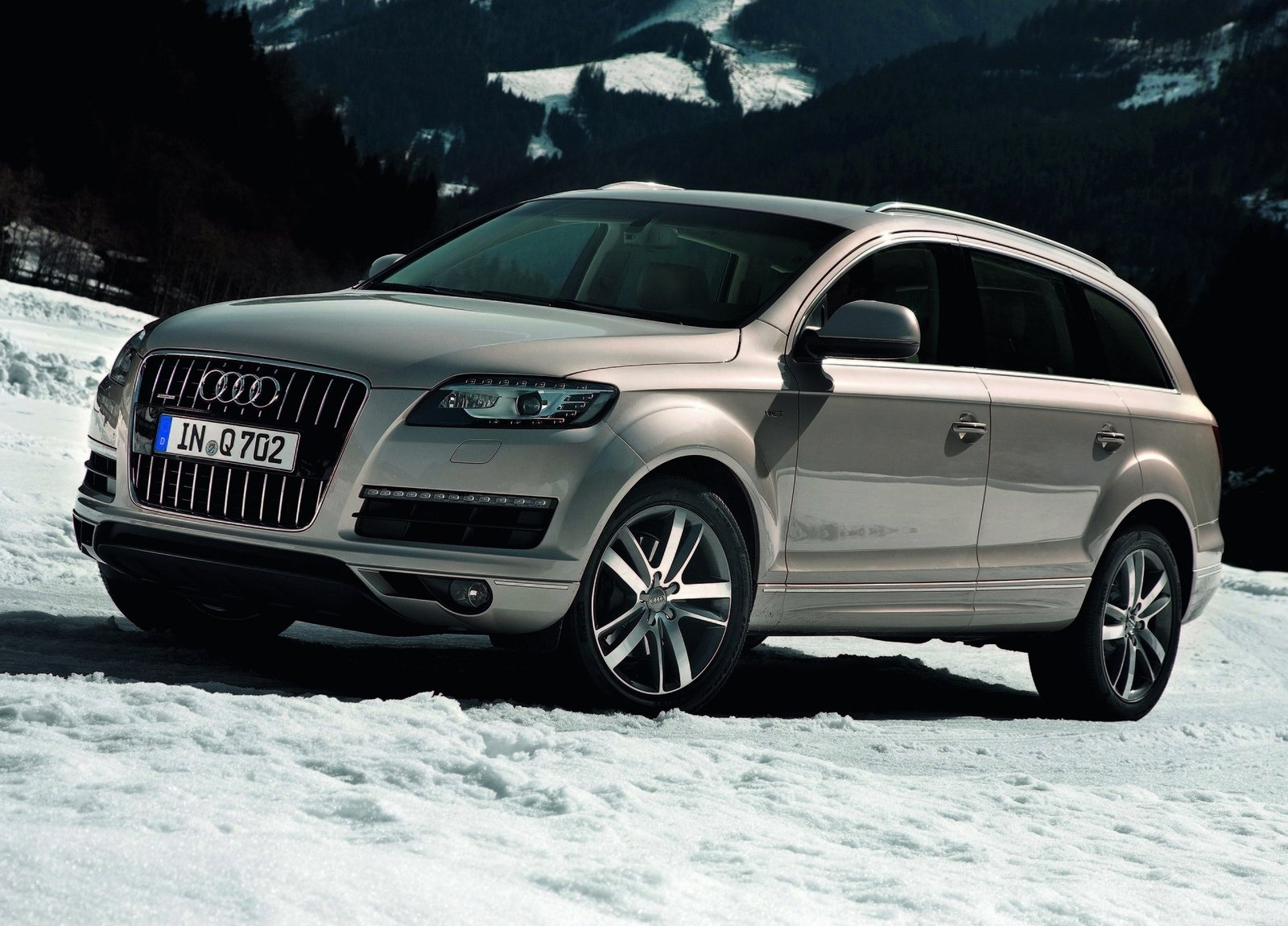 http://2.bp.blogspot.com/-kHiWQ1ZbuB4/T5eZtfd5C-I/AAAAAAAAFtQ/5kgXejyFoWs/s1600/Audi-2011_Q7_wallpaper-1600x1200_0003.jpg