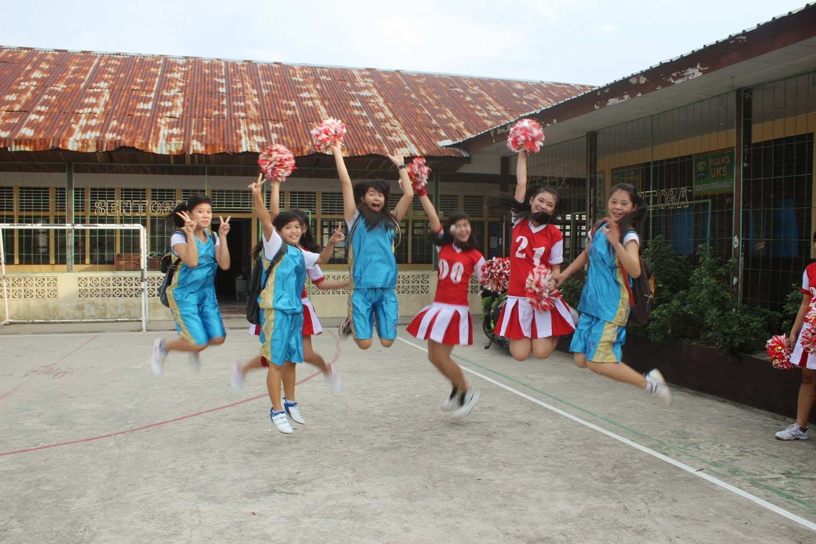 Tim Basket Dan Tim Cheerleaders Sma Senotosa Pemangkat 2013 Nilai Education Ii