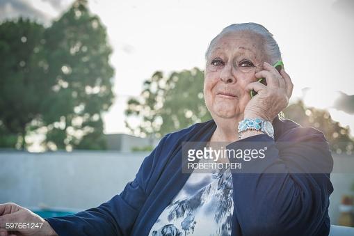 Foto de La abuela con WhatsApp y SmartPhone