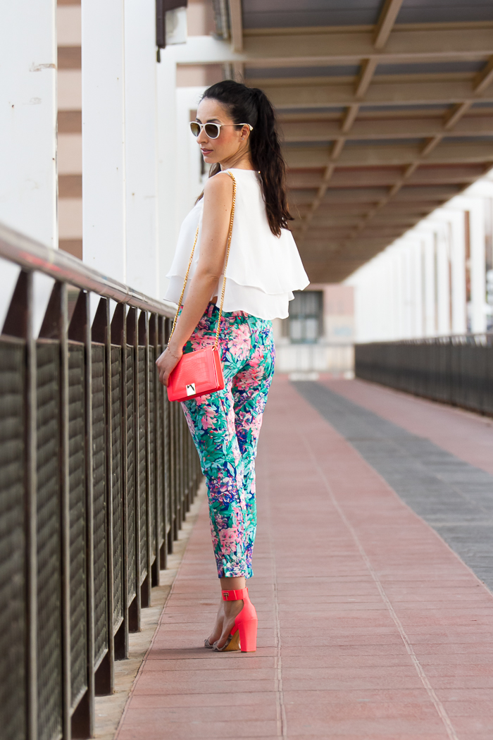 Streetstyle floral print trousers and pink bright sandals by Ted Baker