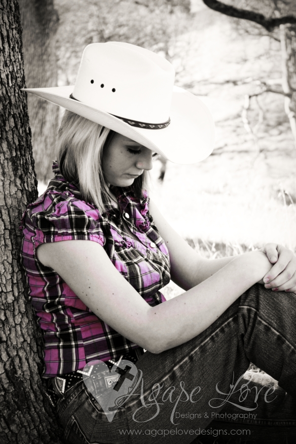 Agape Love Designs: Senior Portraits| Cowgirl Sneak Peek ...