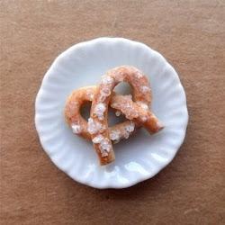 Miniature pretzel