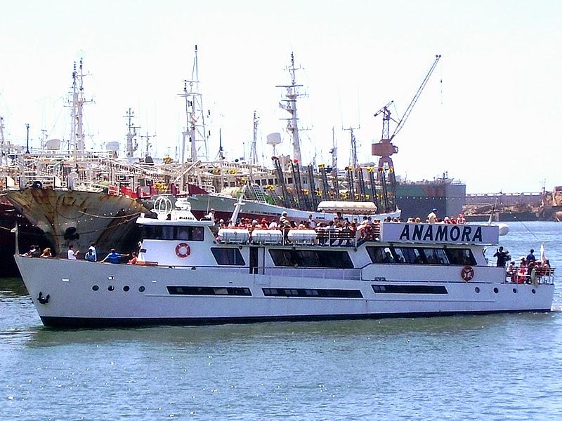 Buque Anamora en el Mar de Plata