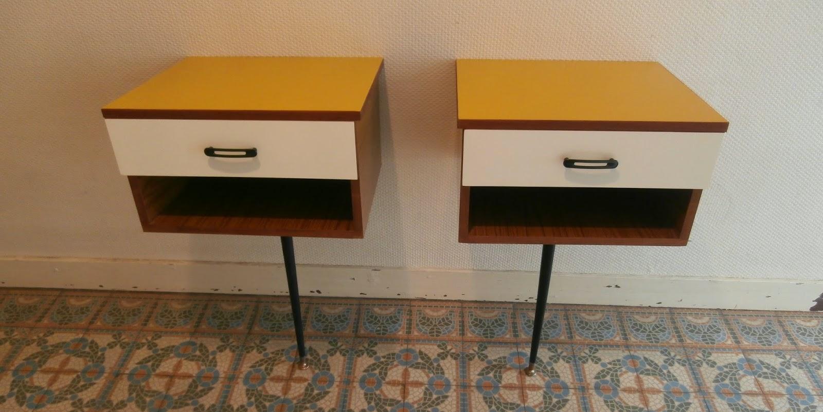 dur e de vie ind termin e tables de chevet ann es 70 monopode. Black Bedroom Furniture Sets. Home Design Ideas
