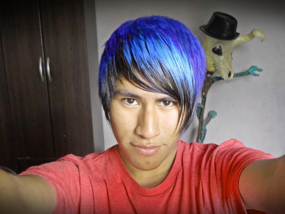 Cabello azul electrico