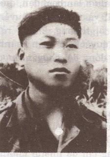 Anh Hùng Ngô Mây