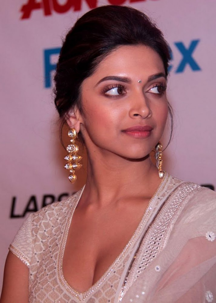 Deepika Padukone Latest Unseen HD Images In White Dress Showing Her Hot Cleavage And boobs