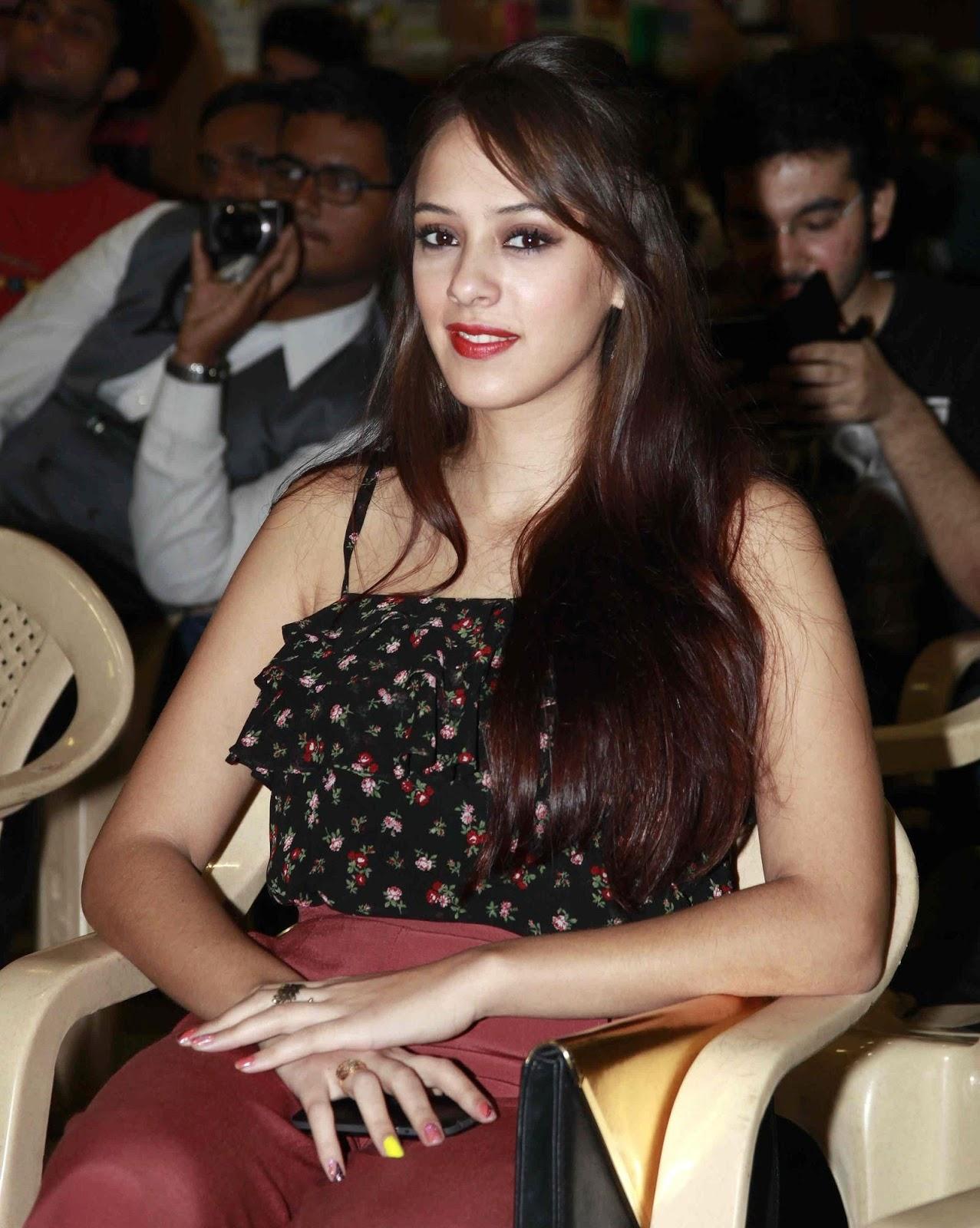 Yuvraj Singh's Wife Hazel Keech Full HD Wallpapers & Images