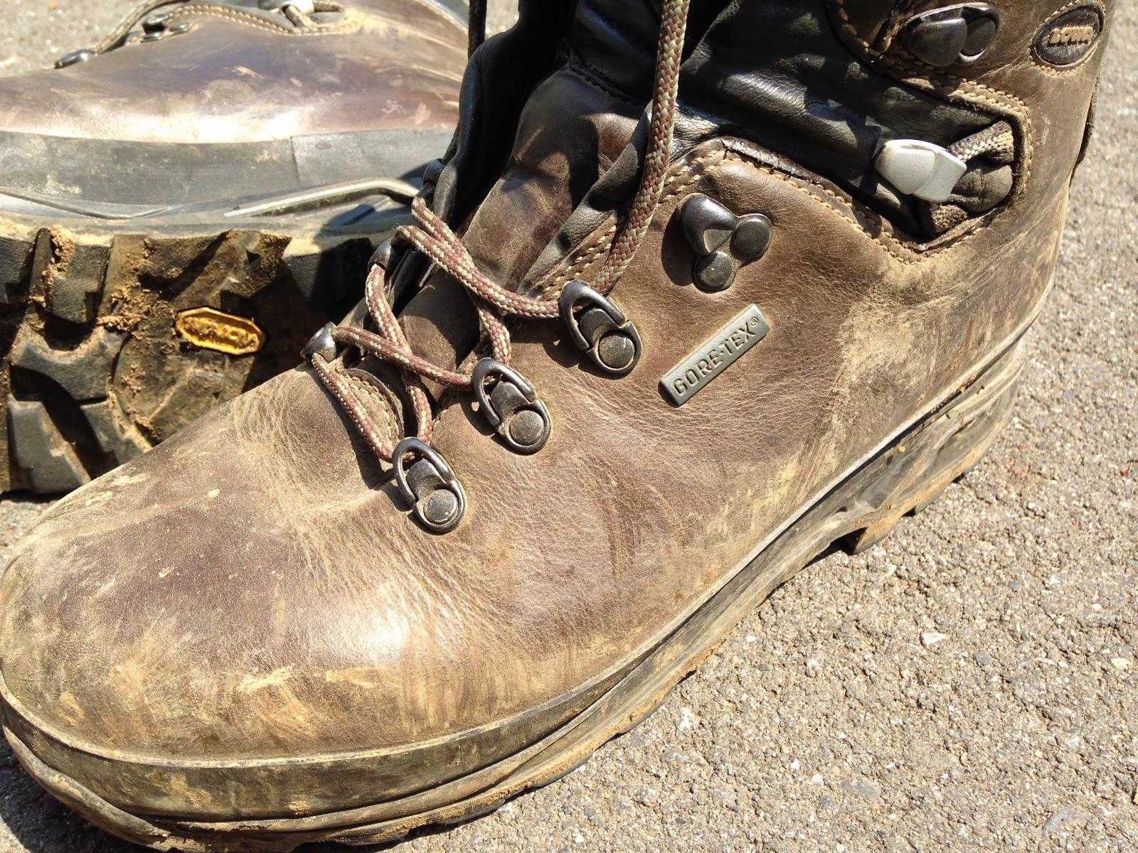 ... ): 簡単!登山靴のお手入れ