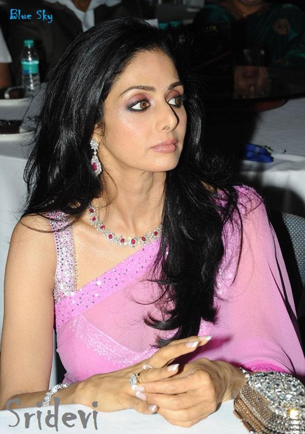 Sridevi - Biodata dan Foto Artis Cantik Bollywood India