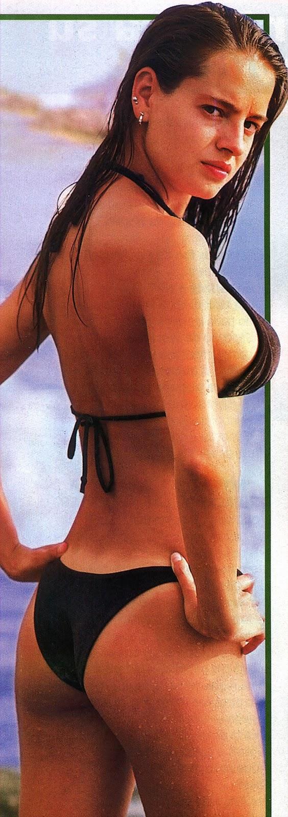 Bikini actriz en k u