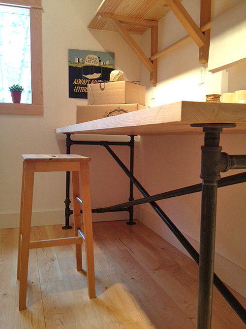 New Shipping room - and a DIY table for you!