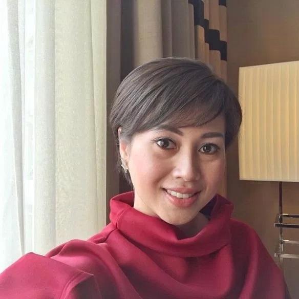 Gaya Rambut Terbaru Bekas Isteri Sultan Brunei Azrinaz Mazhar Jadi - Gaya rambut pendek jupe