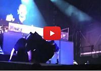 Segurança invade palco e derruba Justin Bieber no chão durante show; veja vídeo