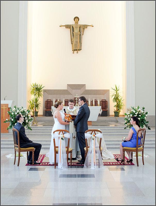 vestuvių ceremonija kauno prisikėlimo bažnyčioje